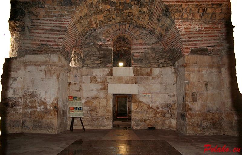 Podziemia pałacu Dioklecja