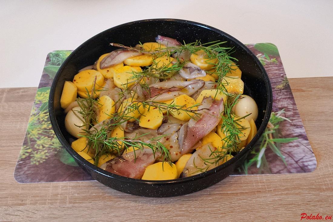 Pieczone kalmary z ziemniakami