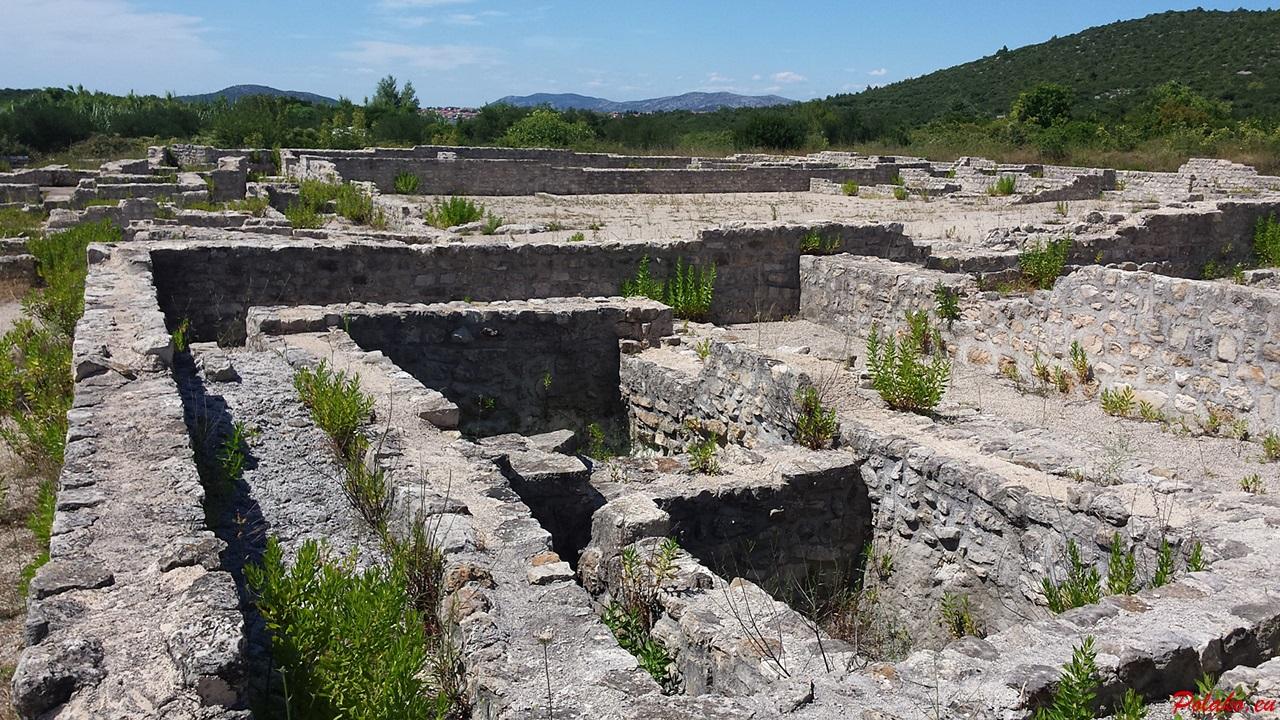 Pozostałości archeologiczne przy kościele św. Marcina w wiosce Ivinj
