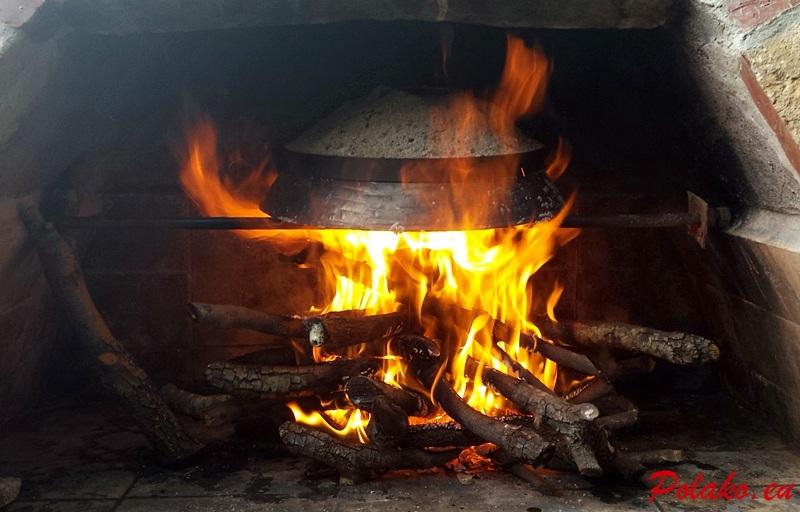 Mięso z ziemniakami pieczone pod peką