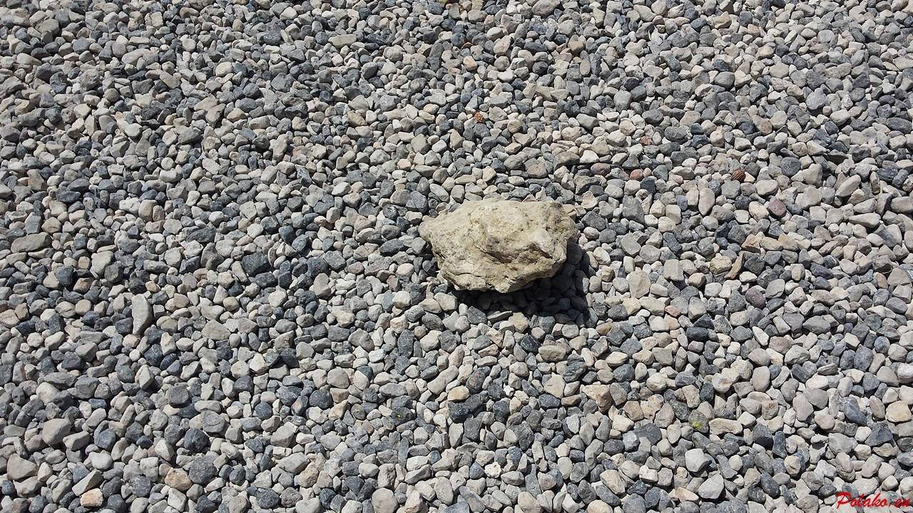 Popularna plaża Slanica na wyspie Murter - piasek czy kamienie?
